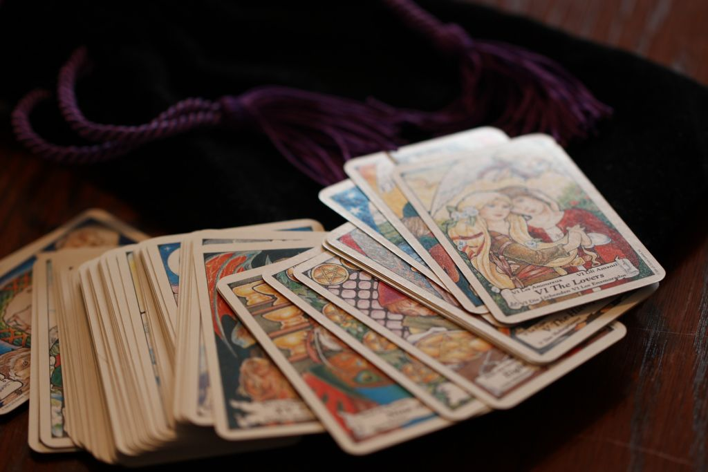 The obligatory tarot shot to depict 'predictions' [Credit: Pixabay.com]